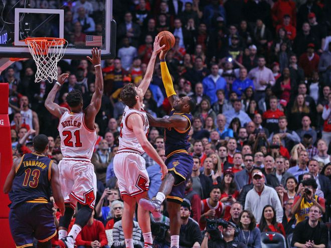 Oct 27, 2015; Chicago, IL, USA; Chicago Bulls forward Pau Gasol (16) blocks the shot of Cleveland Cavaliers forward LeBron James (23) during the second half at the United Center. Chicago won 97-95. Mandatory Credit: Dennis Wierzbicki-USA TODAY Sports